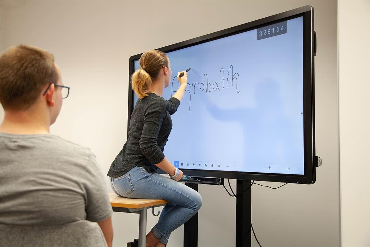 Klassenzimmer Digitale Schultafel - Dore Jacobs Berufskolleg